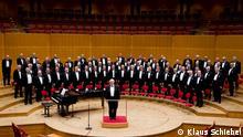 Auf dem Bild: Der Polizeichor Köln bei seinem Auftritt in der Kölner Philharmonie. Fotograf: Klaus Schiebel