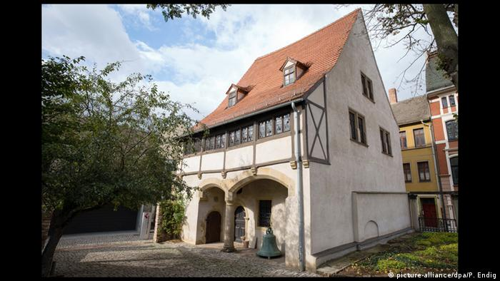 Luther's birth house in Eisleben (picture-alliance/dpa/P. Endig)
