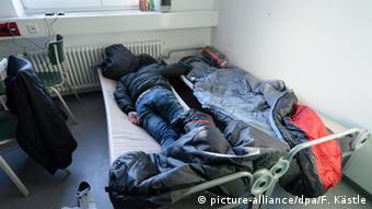 پناهجویان کوزوویی در یکی از اقامتگاههای موقت