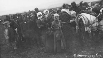 Progon Armenaca u blizini Erzeruma. Povijesna fotografija.