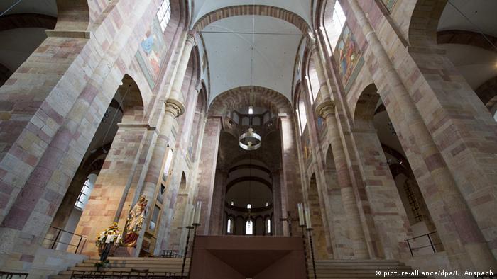Центральный неф Шпайерского собора