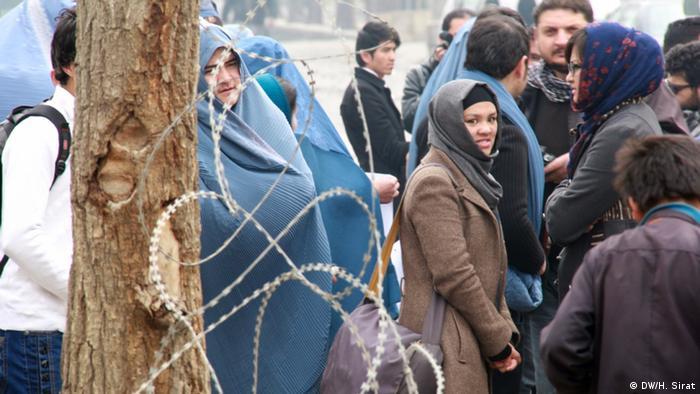 Bei Zuschauern stieß die Aktion auf ein geteiltes Echo (Foto: Hussain Sirat, DW)