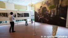 SINGAPORE, Jan.09, 2015 -- Visitors look around at an exhibition of selected winning photos of the 57th World Press Photo contest in Singapore s Raffles Hotel on Jan 9, 2015. ) SINGAPORE-WORLD PRESS PHOTO CONTEST-EXHIBITION ThenxChihxWey PUBLICATIONxNOTxINxCHN Singapore Jan 09 2015 Visitors Look Around AT to Exhibition of Selected Winning Photos of The 57th World Press Photo Contest in Singapore S Raffles Hotel ON Jan 9 2015 Singapore World Press Photo Contest Exhibition PUBLICATIONxNOTxINxCHN