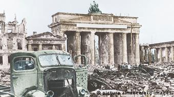 Deutschland Ende des Zweiten Weltkrieges Zerstörung in Berlin
