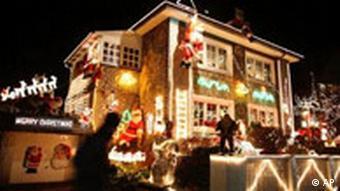 BdT Haus mit Weihnachtsdeko
