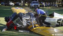 An airplane sits on the ground after crash landing at Penmar Golf Course in Venice, Los Angeles California March 5, 2015. Actor Harrison Ford was injured on Thursday in the crash of a small airplane outside Los Angeles, celebrity website TMZ reported. Reuters could not immediately confirm the report on TMZ, which said that Ford, 72, suffered multiple gashes to his head and was taken to a nearby hospital for treatment. REUTERS/Lucy Nicholson (UNITED STATES - Tags: DISASTER ENTERTAINMENT TRANSPORT) -- eingestellt von haz