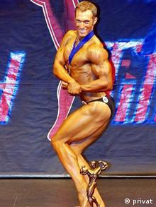 Photo: A bodybuilder posing