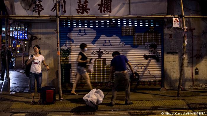 Ausbeutung von Frauen in Hong Kong EINSCHRÄNKUNG