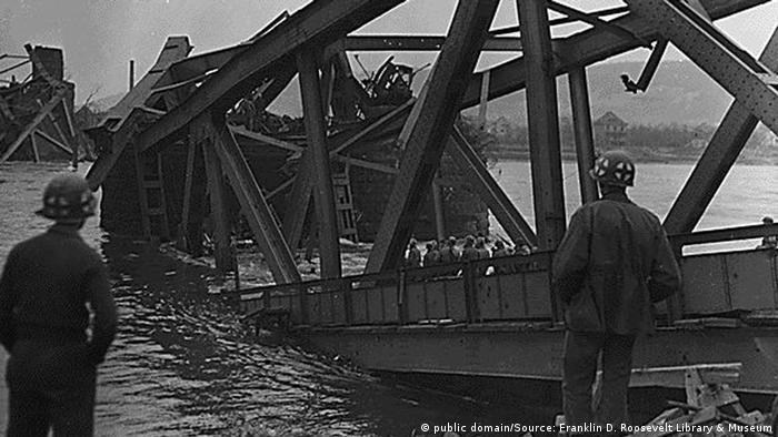 Deutschland 2. Weltkrieg Zerstörung Brücke von Remagen (public domain/Source: Franklin D. Roosevelt Library & Museum)