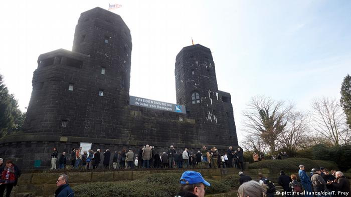 The towers in Remagen where the Ludendorff Bridge stood. The building is now a museum to peace. This photo was taken on May 7, 2015, the 70th anniversary of the bridge's capture. (picture-alliance/dpa/T. Frey)