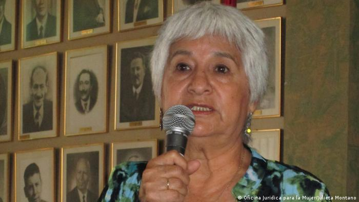 El premio fue concedido a 10 mujeres extraordinarias de todo el mundo. La única latinoamericana en esta ocasión es la activista boliviana Julieta Montaño.