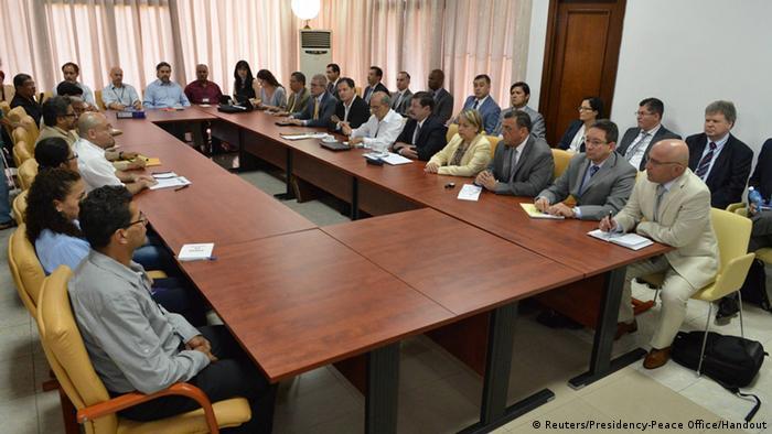 Kolumbien Friedensverhandlungen zwischen Regierung und FARC Rebellen
