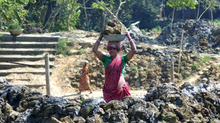 Indien Tripura Frauenarbeit Symbolbild Internationaler Frauentag (imago/ZUMA Press)