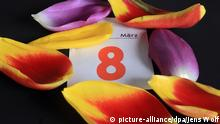 Symbolbild 8. März Frauentag Kalender Tulpen