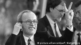 Первый премьер-министр свободной ГДР Лотар де Мезьер
