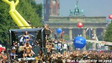 Berlin Loveparade 2003