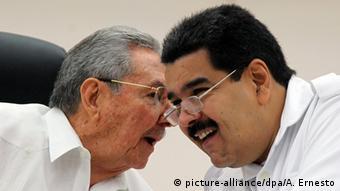 ¿Es el jefe de Estado cubano, Raúl Castro, más poderoso que el presidente venezolano, Nicolás Maduro?