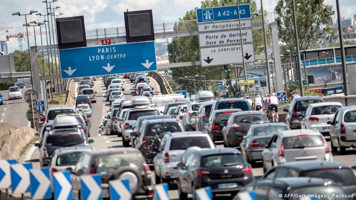 France traffic jam A6