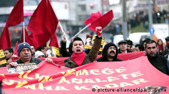Ausschreitungen in Istanbul bei Gedenken an Gezi-Opfer Berkin Elvan