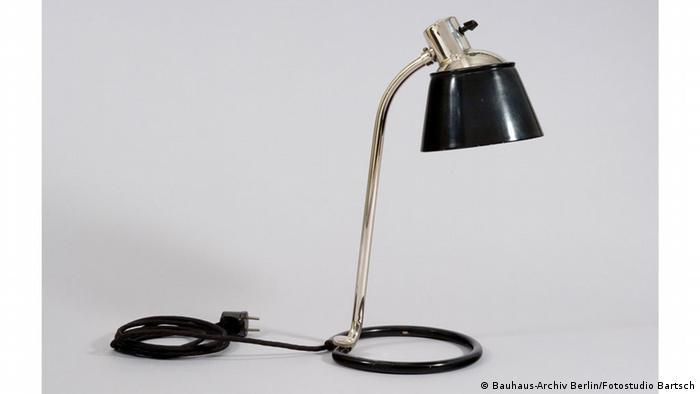 Дизайн этой лампы был придуман в 1932 году