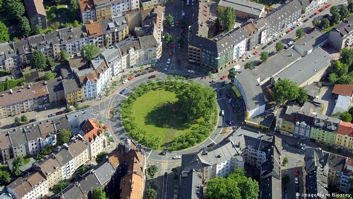 Who's in charge of greening cities?