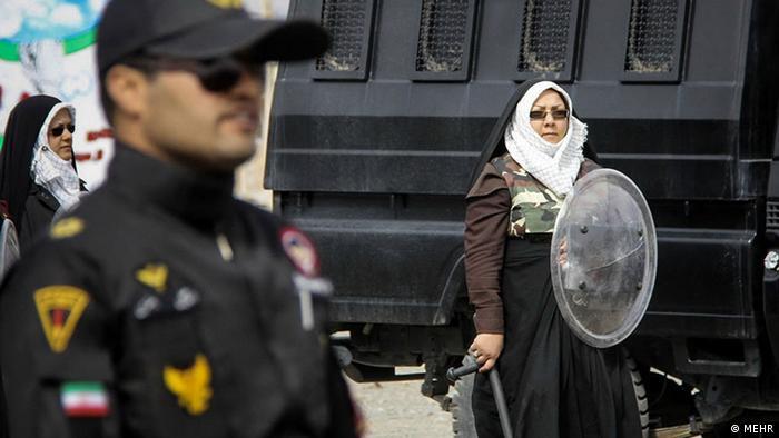 نیروهای ضد شورش بیرجند، آماده برخورد با معترضان