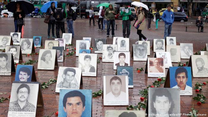 Bilder von Vermissten in Kolumbien