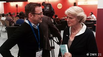 DW's Rainer Traube and Germany's Culture Commissioner Monika Grütters at Leipzig Book Fair. Copyright: DW/K 21