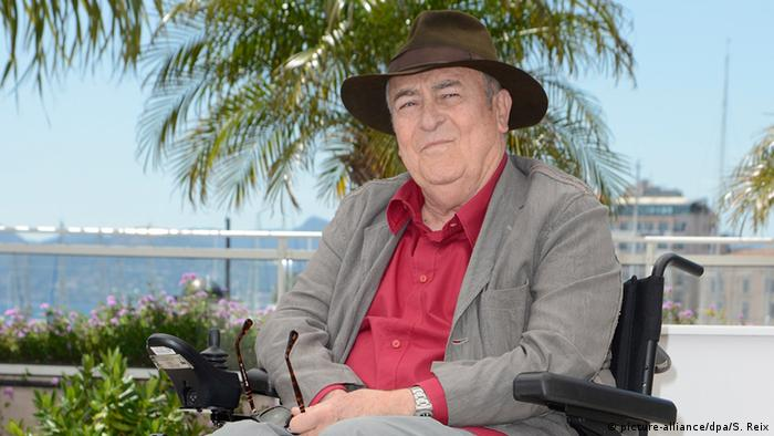 برتولوچی پس از رؤیاپردازان تقریبا به مدت ۱۰ سال نتوانست فیلمی را به پایان برساند. تازه در سال ۲۰۱۲ بود که بار دیگر فیلمی از او به عنوان کارگردان به نمایش درآمد - برای نخستین بار در جشنواره فیلم کن.