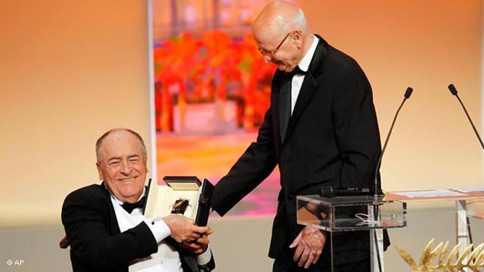 برناردو برتولوچی در سال ۲۰۱۱ هم به خاطر یک عمر فعالیت هنریاش نخل افتخاری جشنواره کن را دریافت کرد.