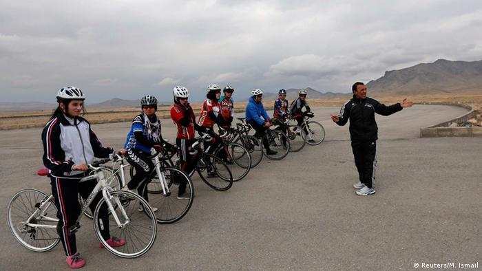 Afghanistan Radrennfahrerinnen (Bildergalerie) (Reuters/M. Ismail)