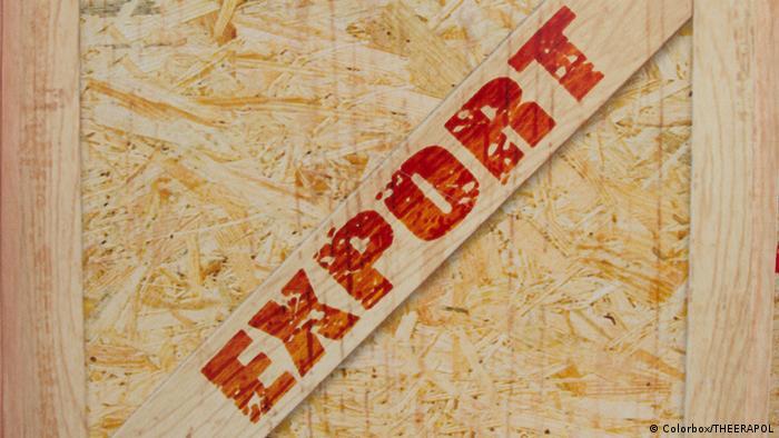 Деревянный ящик с надписью Export