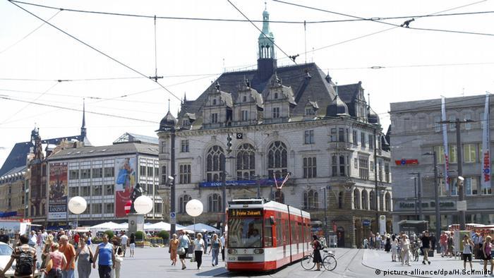 Zentrum von Halle Sachsen-Anhalt (picture-alliance/dpa/H.Schmidt)