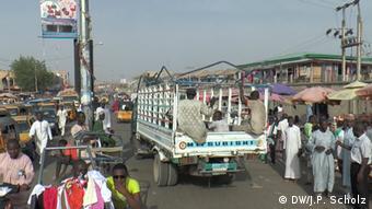 Nigeria Hauptstraße in Kano (DW/J.P. Scholz)