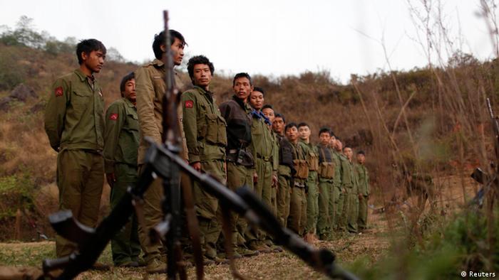 缅北爆发冲突 数千人逃往中国
