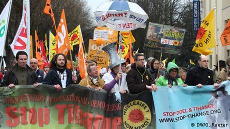 Belgien Internationaler Protest gegen Atomkraft (DW/G. Rueter)