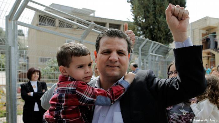 آیمان اوده، رهبر ائتلاف اعراب اسرائیلی، این ائتلاف ۱۴ کرسی در پارلمان اسرائيل را از آن خود کرد
