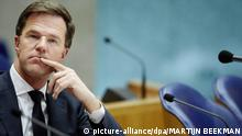 160315 FILE - Dutch Prime minister Mark Rutte attends a debate in the parliament in The Hague, Netherlands, 10 March 2015. Photo: EPA/MARTIJN BEEKMAN (zu dpa Korr-Bericht Niederlande: Koalition fürchtet Schicksalswahl vom 16.03.2015) +++(c) dpa - Bildfunk+++