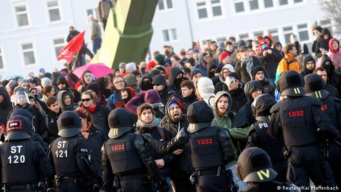 демонстранты Blockupy