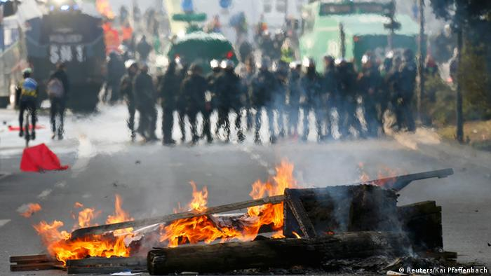 горящие предметы на улицах Франкфурта