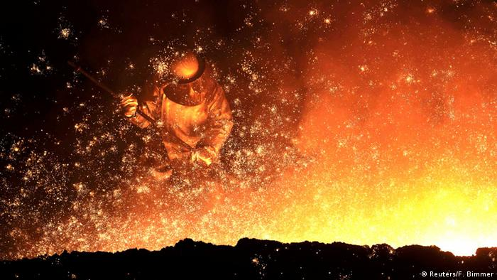 Bild des Tages Stahlarbeiter (Reuters/F. Bimmer)