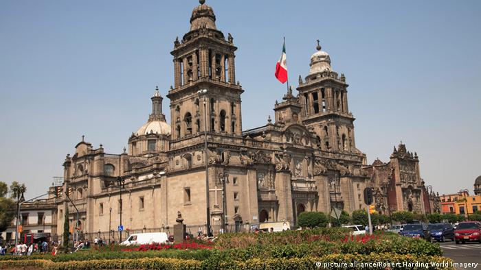 Hauptkirche am Zocalo in Mexiko-Stadt (picture alliance/Robert Harding World Imagery)