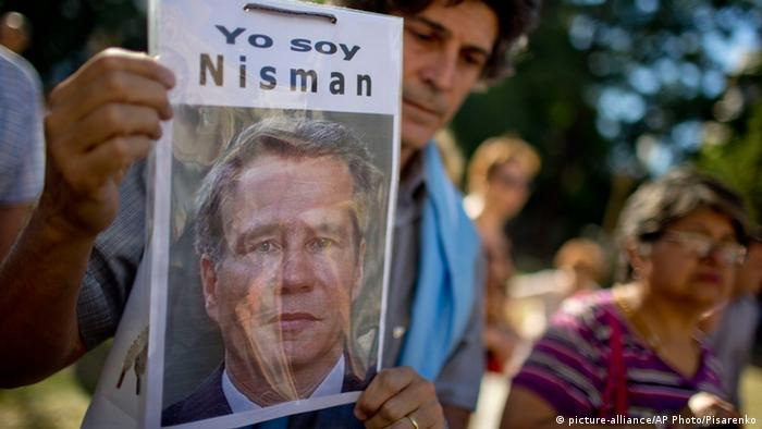 Pro Nisman Demo in Buenos Aires (picture-alliance/AP Photo/Pisarenko)
