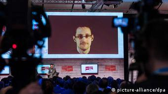 Edward Snowden auf der CeBIT in Hannover