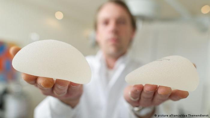Illustration Schönheitschirurgie - Brustimplantate