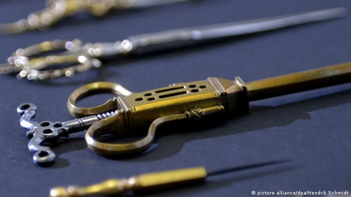 Врачебные инструменты эпохи Ренессанса