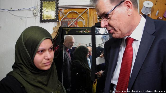Deutschland Hilft Fluchtlingen Im Libanon Aktuell Welt Dw 19 03 2015
