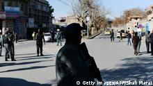 Afghanistan Straße mit Polizist in Kabul