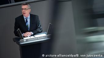 Thomas de Maiziere speaks in the German Bundestag