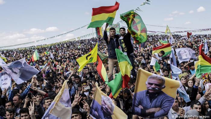 چند صد هزار نفر برای شنیدن پیام عبدالله اوجلان در دبار بکر گرد آمدند